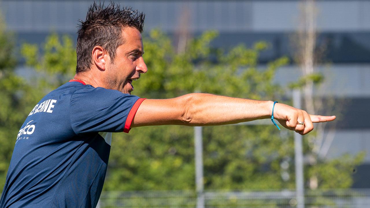 Er strebt mit Biel den Aufstieg an: Trainer Anthony Sirufo.