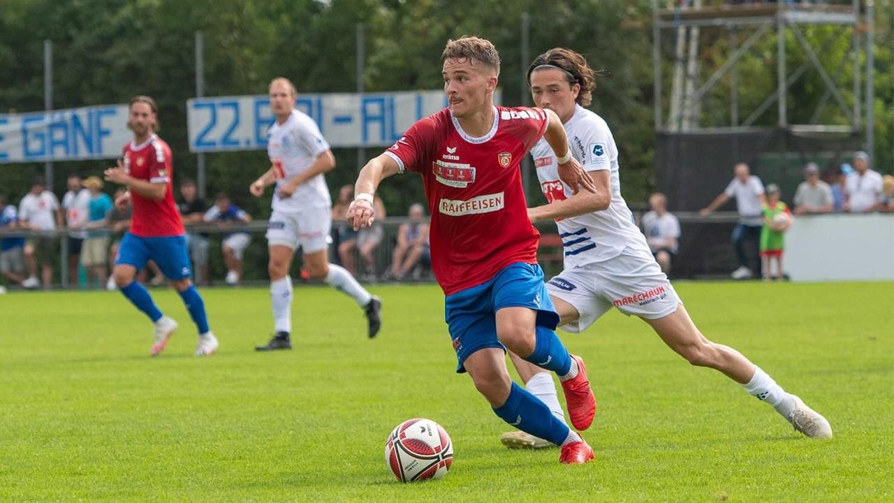 Dynamisch: Marco Rüedi im Cup gegen Jordy Wehrmann vom FC Luzern. Foto: Reto Müller